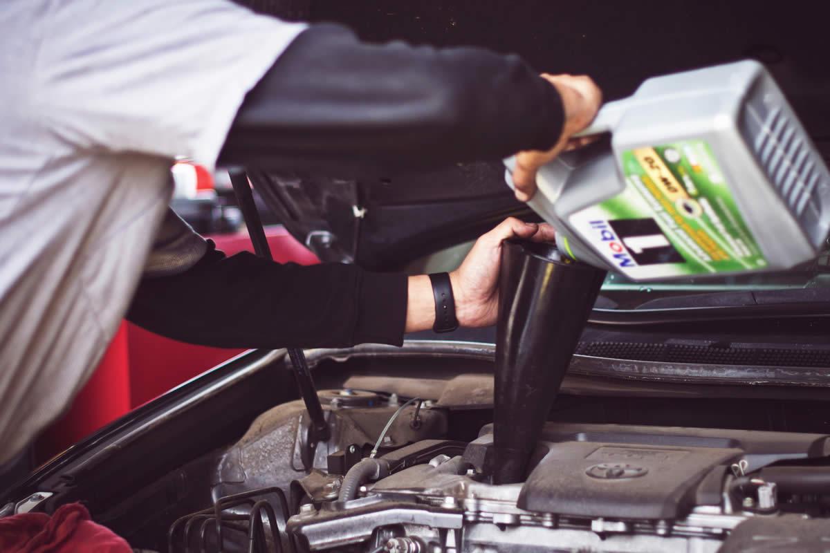 4 Types of Motor Oil