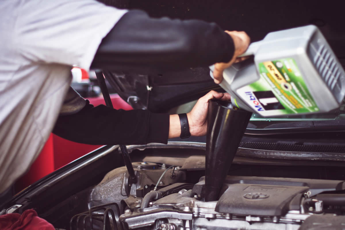 Top Benefits of Changing Your Auto Oil Regularly and On Time